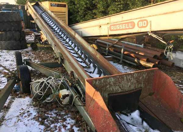 MOBILE STACKING CONVEYOR