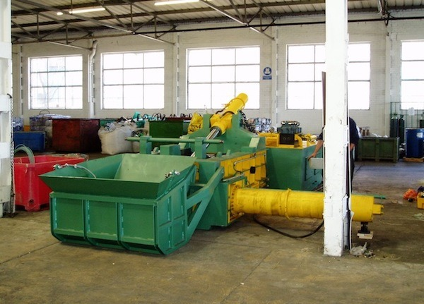 Buffalo Automatic 3 Stage Baling Press